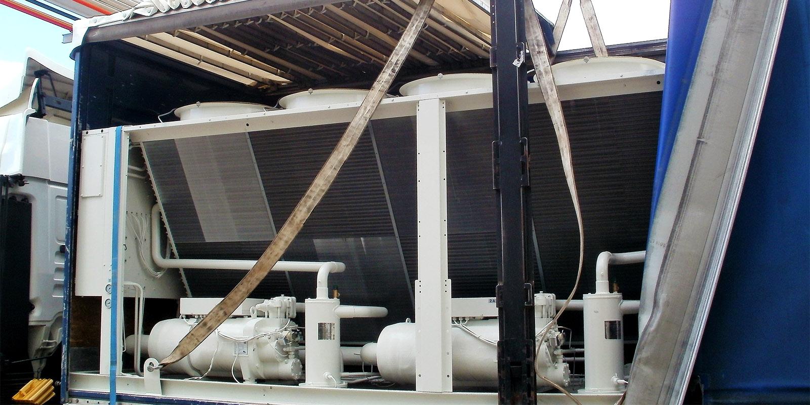 Climaestrat instalación de unidad enfriadora de 800kW para el Hotel en Peñíscola.